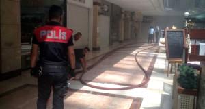 Başkent'te AVM'de yangın çıktı! Vatandaşlar tahliye ediliyor