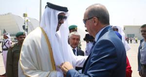 Erdoğan'ın gelişi ülkede gündem oldu!  Övgü dolu sözler yazdılar