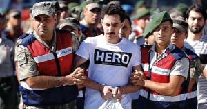 FETÖ'cü hainin 'Hero' tişörtünü kız kardeşi kargoyla yollamış!