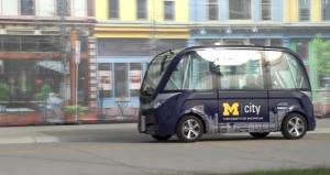 Elektrikle çalışan sürücüsüz servis araçları faaliyete geçiyor