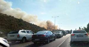 Alevler yükseldi, otoyol trafiğe kapatıldı!