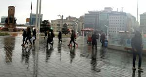 Bakan Eroğlu'dan rahatlatan açıklama: İstanbul için bir tehlike yok!
