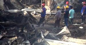 Alevler içindeki fabrikasına daldı, sırra kadem bastı