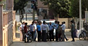 ''Burada ezan okumayın'' deyip cemaate saldırdılar: 2 yaralı