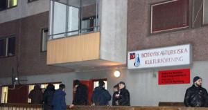 İsveç'te Türk Kültür Merkezi ile camiye, bombalı ve taşlı saldırı!