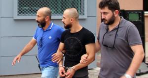 Kavga ettiği kişiyi şikayete gitti, bonzaiyle yakalanınca tutuklandı