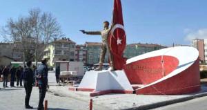 Tepki geldi, şehit Ömer Halisdemir'in heykeli kaldırıldı