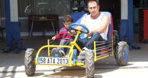 Çocuklarıyla gezmek için 4 bin liraya araba yaptı