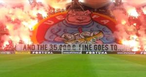 Yiyecekleri cezayı UEFA'dan önce pankart yaptılar