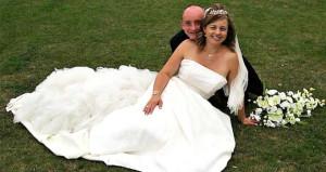 16 yıl sonra yeniden evlendiler! Bu kez iki gelin olarak!
