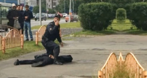 Bu kez Rusya'da bıçaklı dehşet: 8 kişi yaralandı, saldırgan öldürüldü