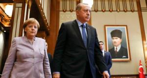 Erdoğan'ın seçim çağrısı sonrası Merkel'den haddini aşan açıklama