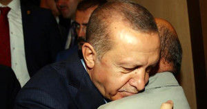 Erdoğan'dan duygusal ziyaret! Gözleri doldu