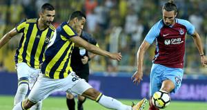 Manchester United, dün geceki maçta Türk yıldıza hayran kaldı