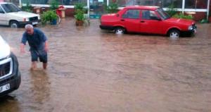 Marmara'yı yağmur vurdu! 4 il sele teslim oldu