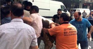 Peşinden gelenleri perişan etti! Kaçak boğa, 3 kişiyi yaraladı