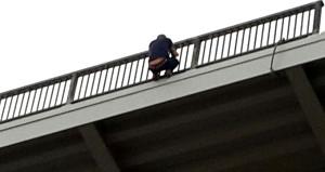 Osmangazi Köprüsü'nde korku dolu anlar! Sürücüler gözlerine inanamadı