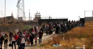 Sınır kapısı karıştı! Ülkelerine dönen Suriyeliler izdihama yol açtı