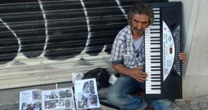 Yeşilçam efsanesi, Beyoğlu sokaklarında yaşam savaşı veriyor