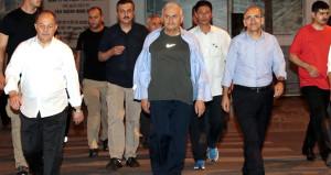 Başbakan eşofmanları çekti, Vietnam sokaklarına daldı
