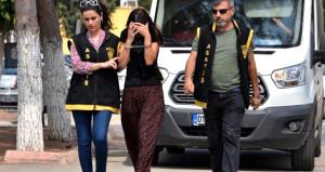 Hamile kadından sürücülere iğrenç tuzak: Kuş yuvaya giriyor
