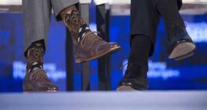 Başbakanın renkli dünyası! Çorapları olay oldu