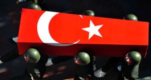 Hakkari'de PKK'lı teröristlerden hain tuzak: 1 asker şehit