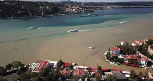 İstanbul Boğazı çamura bulandı, arkasından gelen söylenti korkuttu