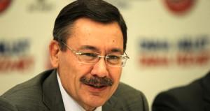 Melih Gökçek'ten, Topbaş Tweeti: Türkiye seni hayırla yad edecek