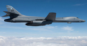 Nükleer silah taşıyabilen uçaklar Kuzey Kore sınırında uçuyor