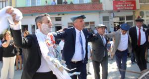 CHP'li İnce'den oğluna Selanik usulü düğün
