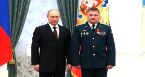 DEAŞ, Putin'le poz veren Rus generali öldürdü!