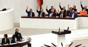 Kuzey Irak ve Suriye tezkeresi TBMM'de kabul edildi