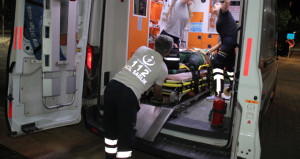 Aracın çarpıp kaçtığı kadının bacağı koptu, ekipler zamanla yarıştı!