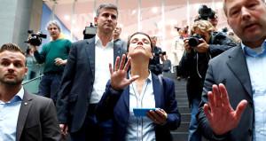Almanya'da kriz! Seçimde 3'üncü olan ırkçı partinin lideri istifa etti