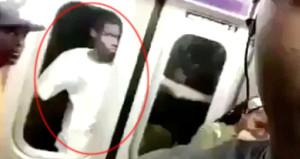 Metro kapısının dışına tutunarak seyahat eden genç, ölümle dans etti