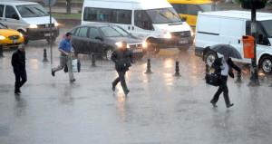 İstanbul'a bir uyarı da AKOM'dan: Hafta sonu yağışlar kuvvetlenecek