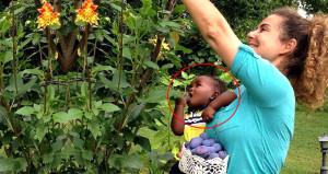 Esra'nın evlat edindiği siyahi bebek, kocaman oldu