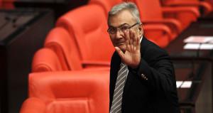 CHP'nin eski lideri Deniz Baykal yoğun bakımda