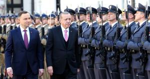 Cumhurbaşkanı Erdoğan'a, Polonya'da 'Dede Efendi' sürprizi!