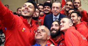 Cumhurbaşkanı Erdoğan, Avrupa Şampiyonlarını kabul etti