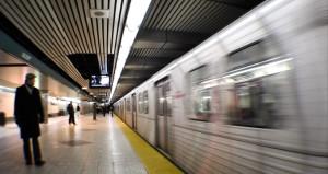 Hiç metro beklerken kendinizi trenin önüne atmaktan korktunuz mu?