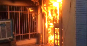 Kerkük'te sıcak saatler! Peşmerge Türkmen cephesinin karargahını yaktı