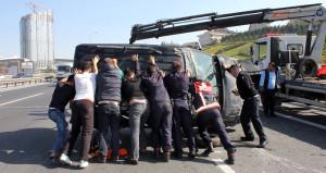 TEM'de trafiği durma noktasına getiren kaza!