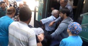 Halk otobüsü, ambulans oldu! Bayılan genç kızı hastaneye yetiştirdi