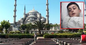 Sultanahmet'te 10 yaşındaki çocuğun bacağına, yorgun mermi isabet etti