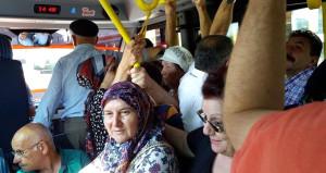 Uzmanlardan şaşırtan uyarı: Toplu taşımada yaşlılara yer vermeyin