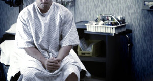 Ereksiyonu bir hafta aralıksız sürdü, penisinin yarısı kesildi