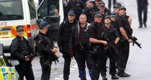 İngiltere'de rehine krizi! Polis AVM'yi abluka altına aldı