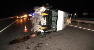 İrlandalı turistleri taşıyan minibüs devrildi: 5 yaralı